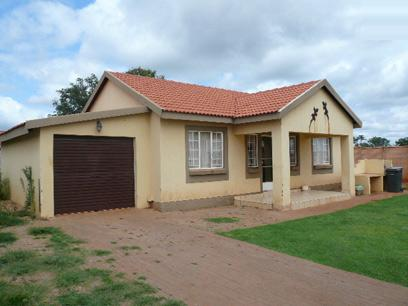 Standard Bank Repossessed 3 Bedroom House For Sale in The Orchards - MR95450
