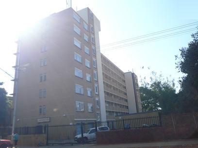 Standard Bank Repossessed 2 Bedroom Apartment on online auction in Pretoria North - MR95459