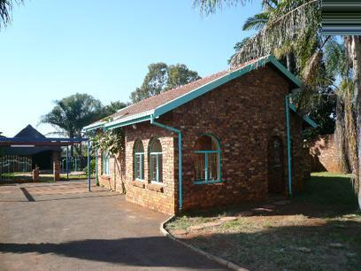 Standard Bank Repossessed 3 Bedroom House For Sale in Chantelle - MR96457