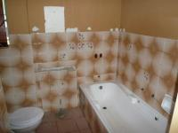 Bathroom 1 - 5 square meters of property in Chantelle