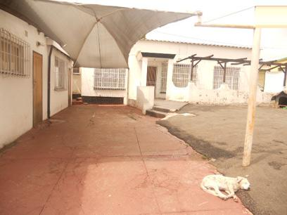 Standard Bank Repossessed 2 Bedroom House for Sale For Sale in Rosettenville - MR96520