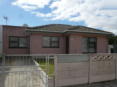 3 Bedroom House for Sale For Sale in Parrow Valley - Private Sale - MR98464