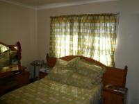 Bed Room 1 - 18 square meters of property in Parrow Valley