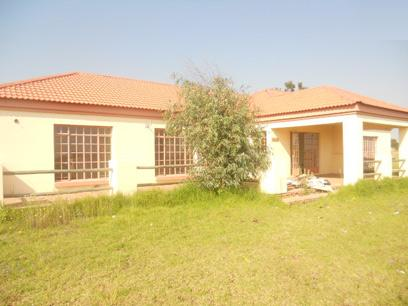 Standard Bank Repossessed 3 Bedroom House for Sale For Sale in Riversdale - MR98521