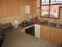 Kitchen - 12 square meters of property in Karenpark