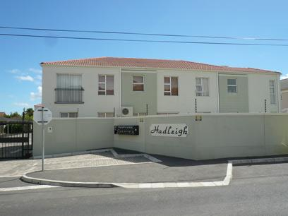 Standard Bank Repossessed 2 Bedroom Simplex For Sale in Gordons Bay - MR99467
