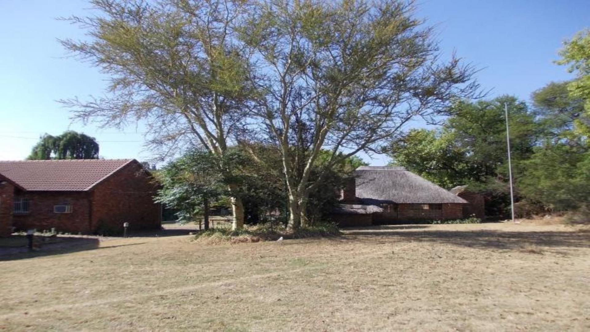 Front View of property in Mnandi AH